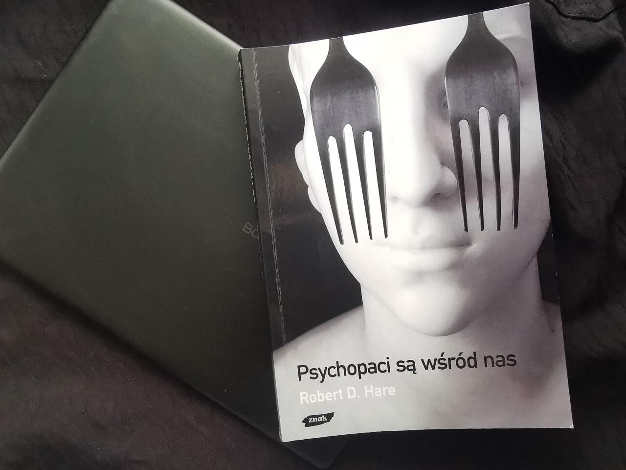 "Książka ""Psychopaci są wśród nas"" Robert d. Hare"