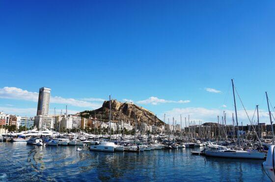 Słoneczne hiszpańskie miasto Alicante, w sam raz na weekend
